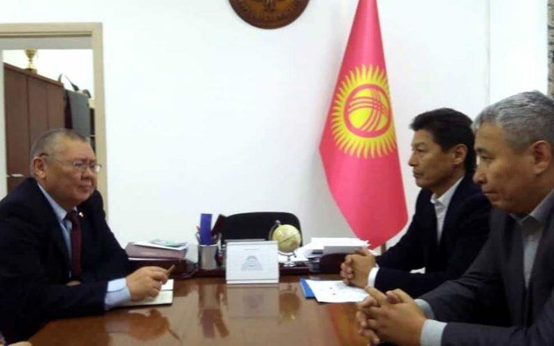 Представители ассоциации «Замандаш» и акыйкатчы обсудили защиту кыргызстанцев за рубежом
