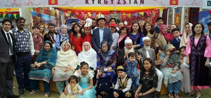 Президент Пакистана и кыргызстанцы, трудящиеся в стране, приняли участие в Ноорузе