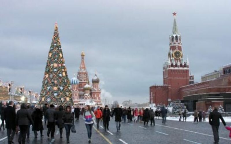 Орусия жарандарынан беш кишиден бирөөсү өлкөдөн кетүүнү каалайт