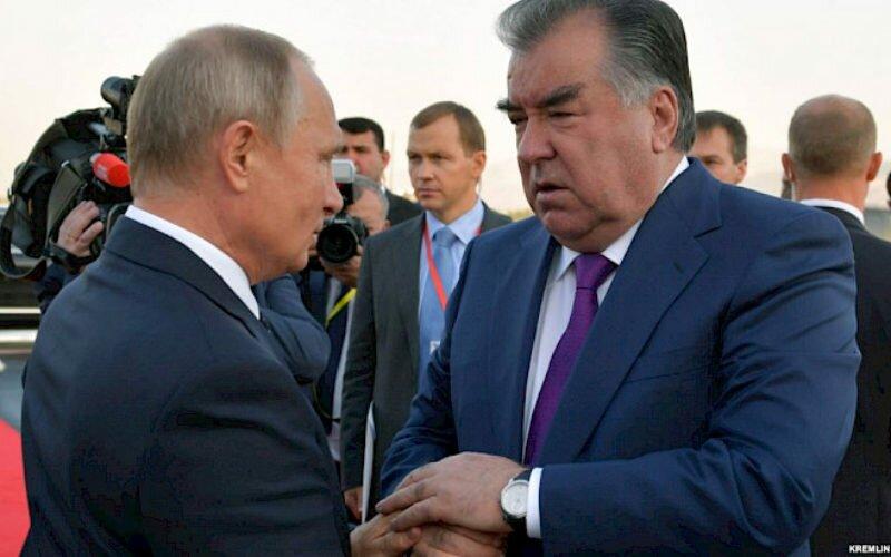 Москва менен Душанбе миграция мыйзамдарына кол коет