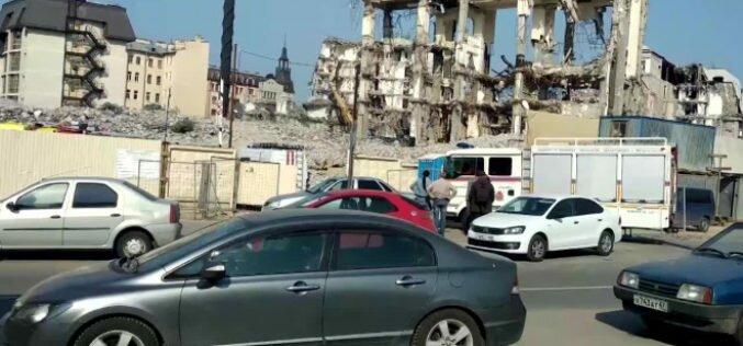В Петербурге на рабочего из Кыргызстана завалился экскаватор. Он погиб