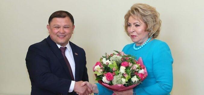 Торага ЖК КР Д.Джумабеков и В.Матвиенко обсудили миграционную амнистию в России