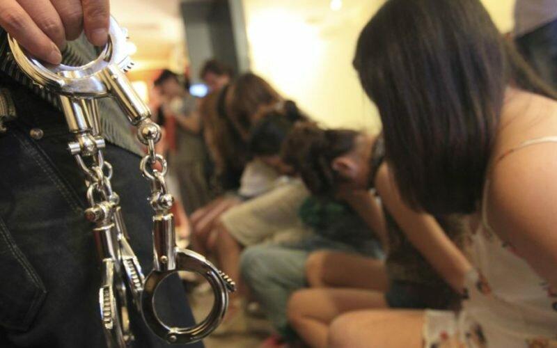 В Турции четырех кыргызстанок задержали по подозрению в проституции