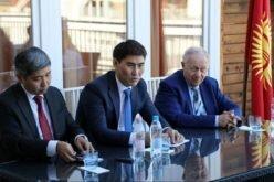 Тышкы иштер министри Чыңгыз Айдарбеков Венгрияда, Австрияда жашаган кыргызстандыктар менен жолугушту