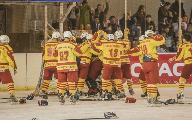 Сүйүнчү! Арабдар менен араздашкан кыргыз хоккейчилери өз чындыгын далилдеди