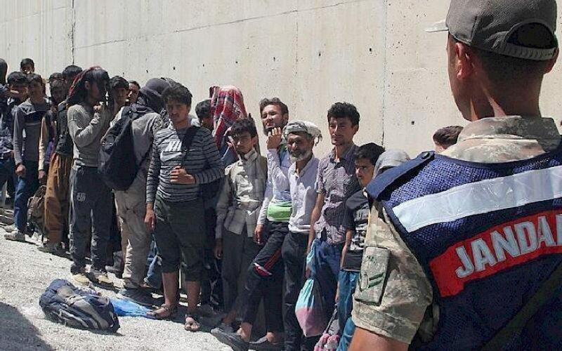 Түркияда мыйзамсыз мигранттарга каршы ири масштабдагы операция жүргүзүлдү