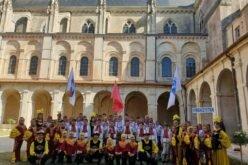 Юные артисты из Бишкека научили французов танцевать кара жорго